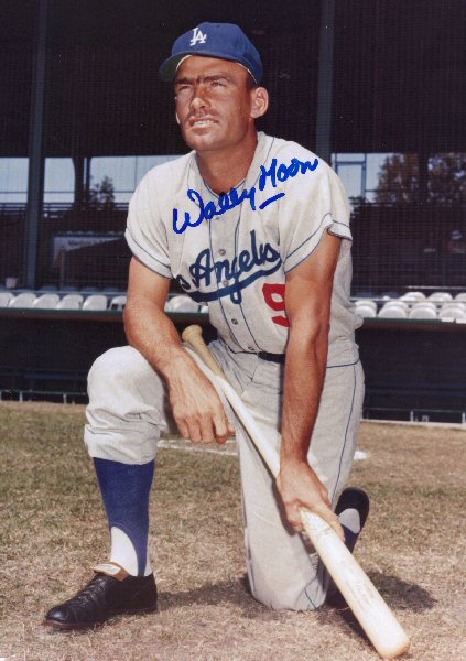 Wally Moon Autographed Dodger Photo